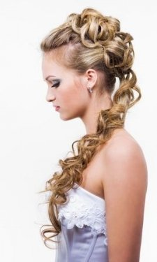 curly upstyle for prom