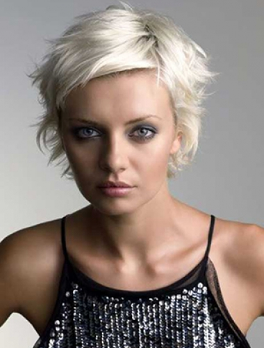 blonde-short-hairstyles-with-a-bit-of-volume