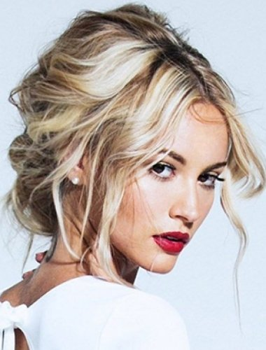 blonde-messy-up-do-hairstyle