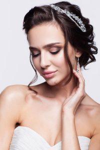 short-wedding-hair-ideas-from-the-bridal-hair-experts-at-Gavin-ashley-hair-salon-in-Bury-St-Edmunds
